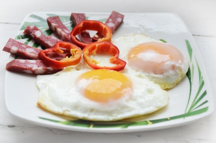 Omelette-Dish-Nutrition-The-Yolk-Egg-Breakfast-2200917.jpg